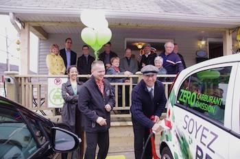Inauguration officielle d'une borne de recharge 240V à GRANDES-PILES
