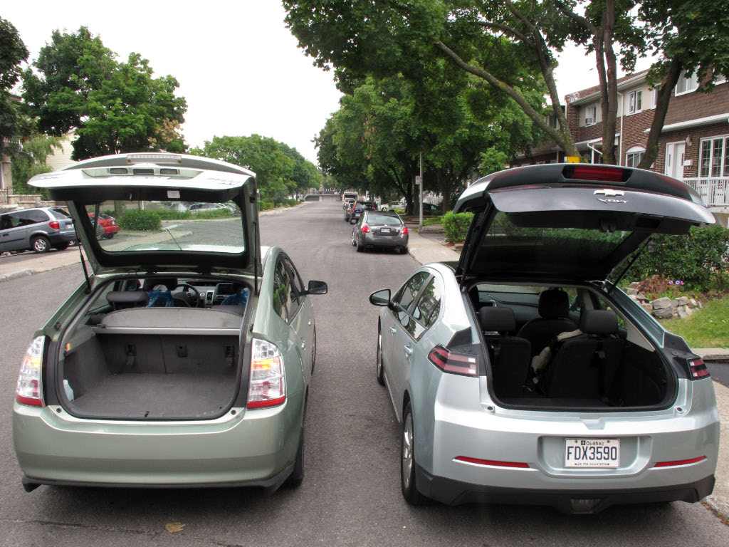 comparatif volume coffre prius 2007 et chevrolet volt 2012 roulez electrique. Black Bedroom Furniture Sets. Home Design Ideas