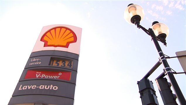 Le prix de l'essence monte à $1.53 le litre aujourd'hui à Montréal