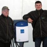 Rallye Vert 2012 - Sylvain Juteau et Bruno Guglielminetti avec une borne de recharge FORD