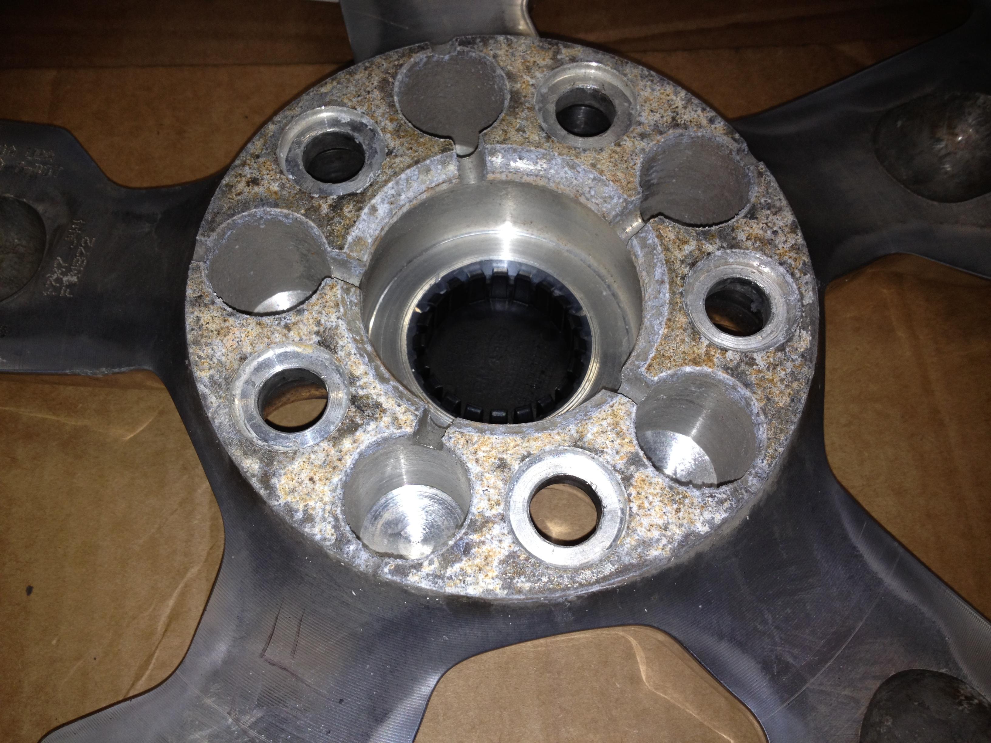 La corrosion de 2 métaux différents…
