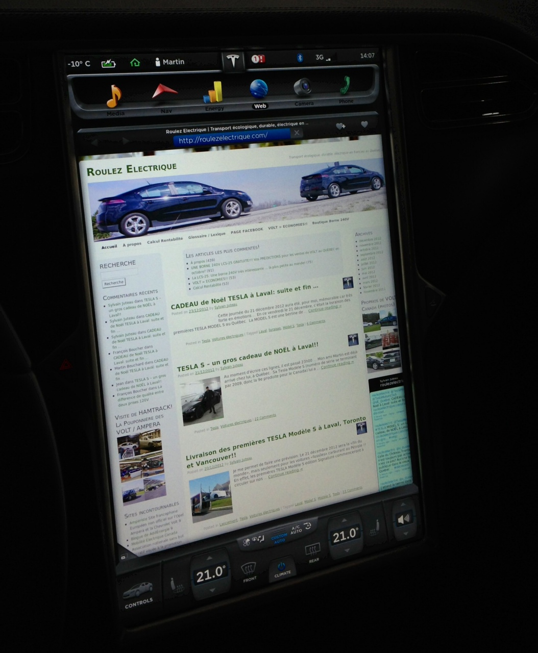 Des nouvelles de Martin : Il lit son blogue préféré dans sa Model S!!
