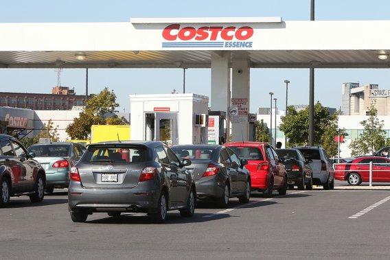 Le nombre de postes d'essence en chute libre au Québec
