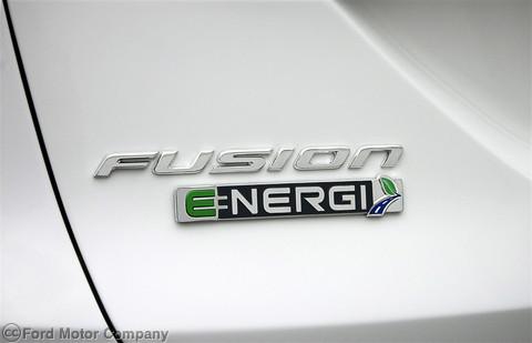 Ford-Fusion-Energi-2013-3