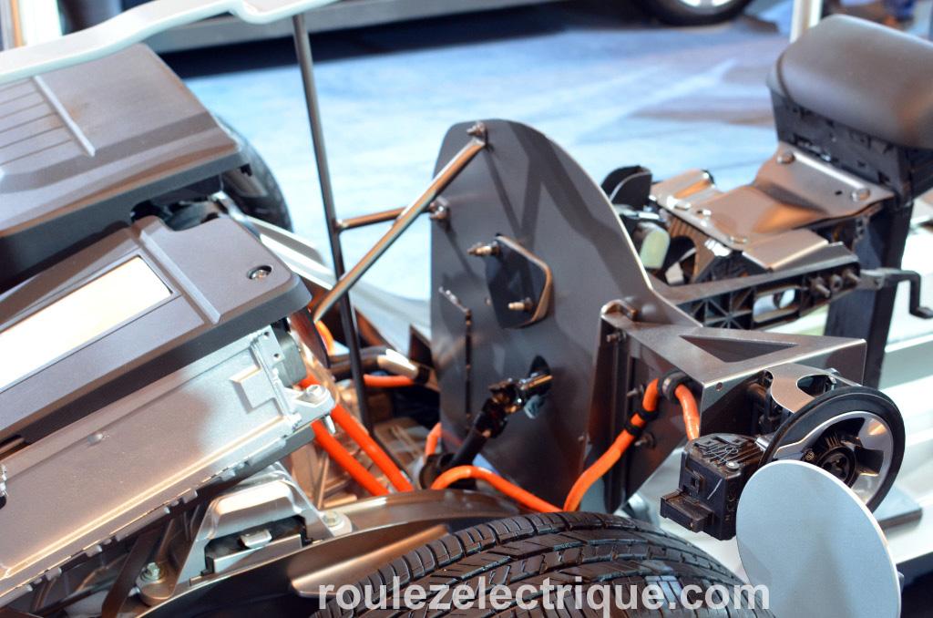Salon International de l'Auto de Montréal: la Chevrolet Volt se dévêt et montre son chassis…