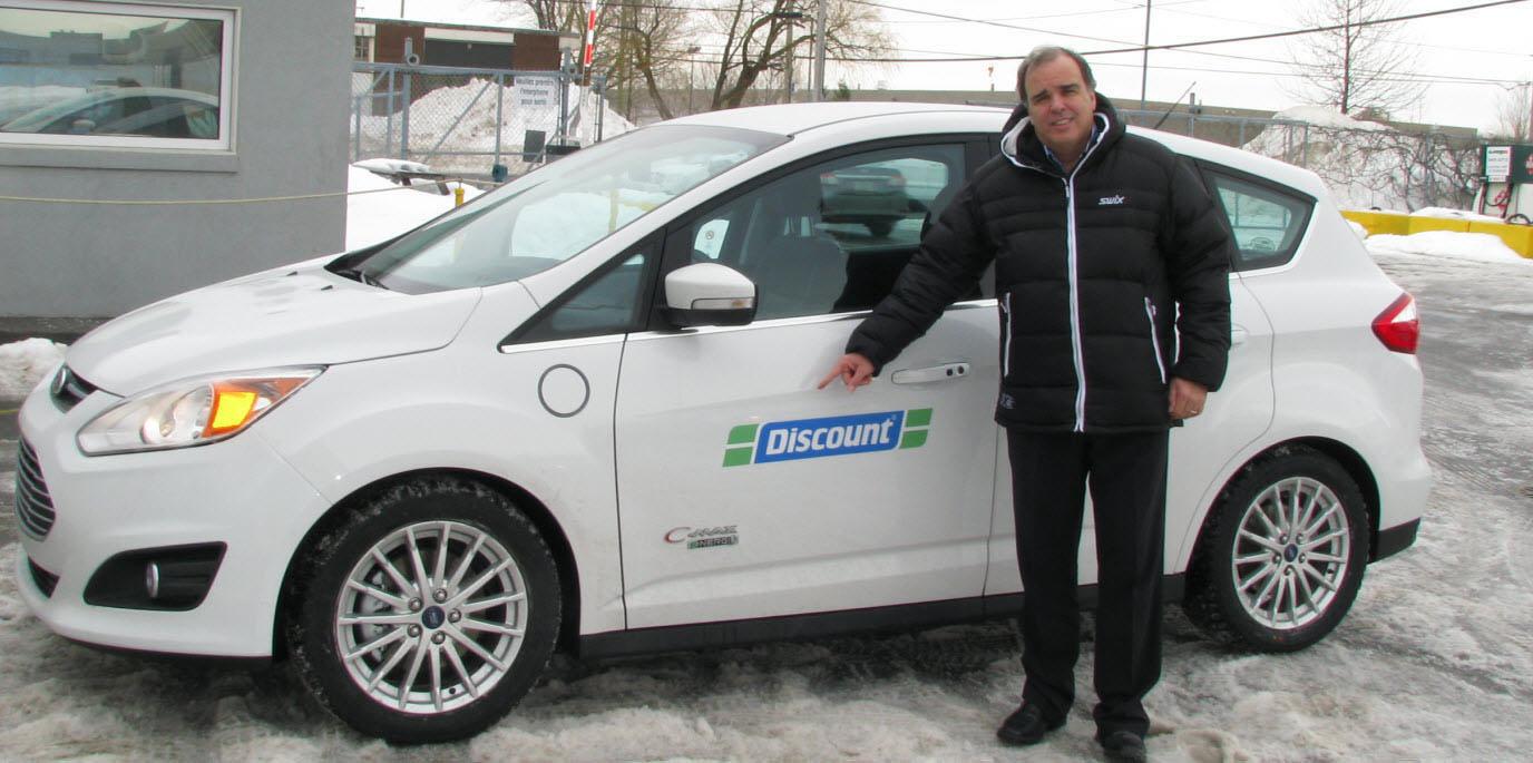 Discount Québec ajoute six hybrides enfichables Ford C-MAX Energi à sa flotte de voitures et met en service 5 bornes de recharges publiques!