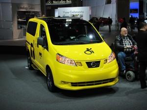 À compter de cet automne, tous les nouveaux taxis de NYC seront des NV200. Nissan va débuter la production du eNV200 en 2014.