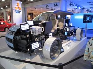 Le kioque de Mitsubishi présentait la mécanique innovatrice de la Outlander PHEV. Bien que ce modèle éprouve présentement des problèmes de surchauffe de la batterie, il facile de comprendre l'intérêt que génère ce modèle au Japon.