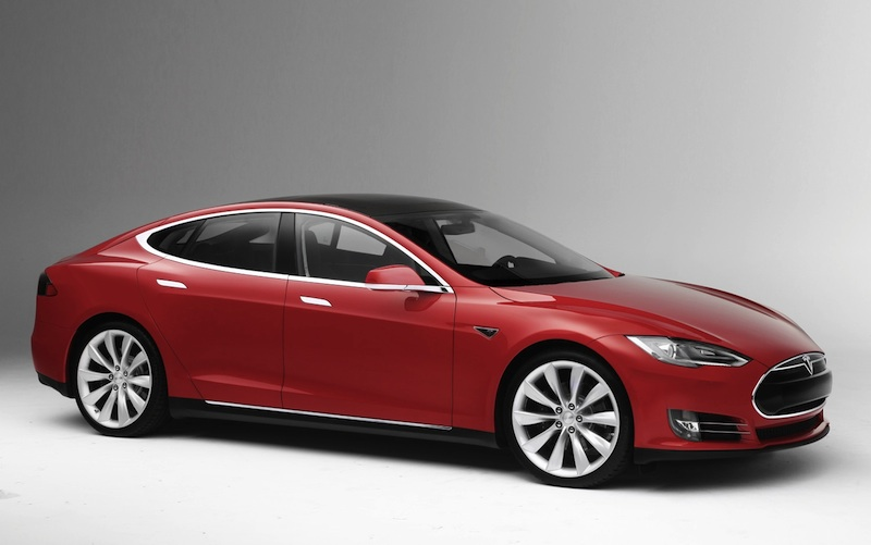 2013-RED-Tesla-Model-S-front-three-quarter-1-P