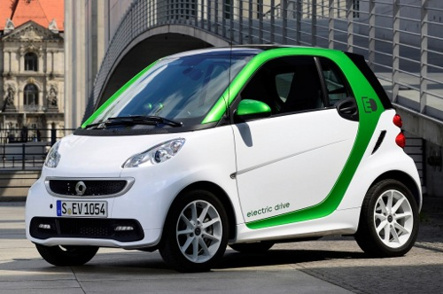 2013-Smart-Fortwo-White-Electric-Car-500X332