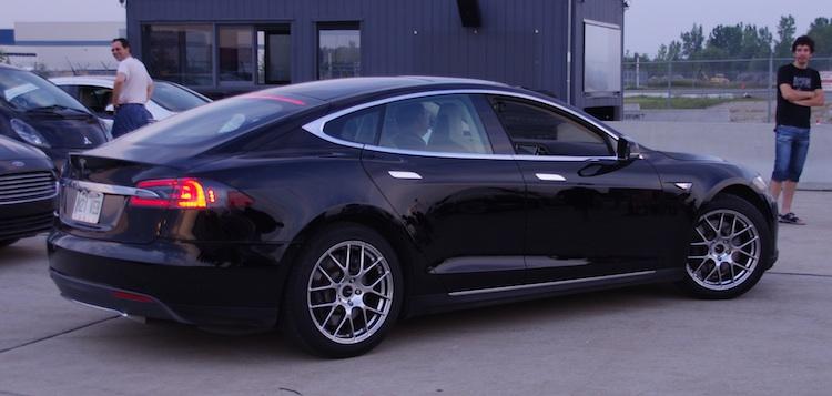 PRIMEUR : 4 TESLA Model S NEUVES en INVENTAIRE à Laval !!