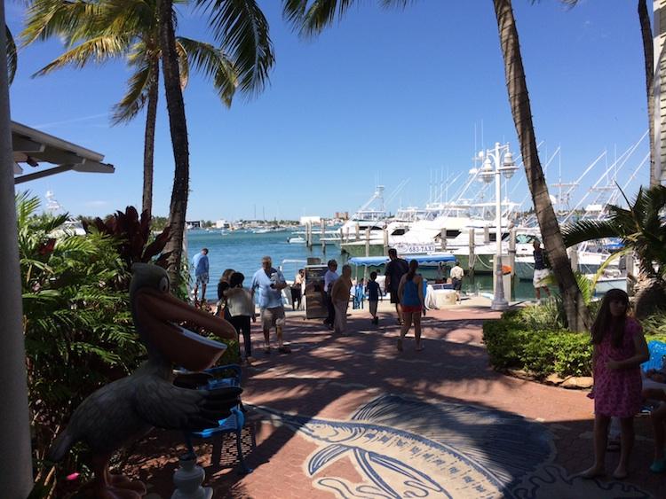 La superbe Marina de cette Ile du Paradis.  Avec la montée des eaux prévue suite au réchauffement planétaire, cette Ile est condamnée.