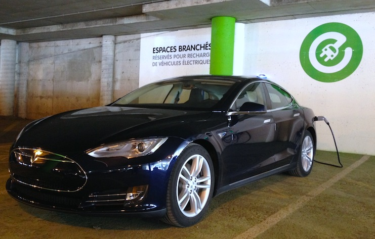 Tesla Motors bloque l'importation de la Model S usagée au Canada !