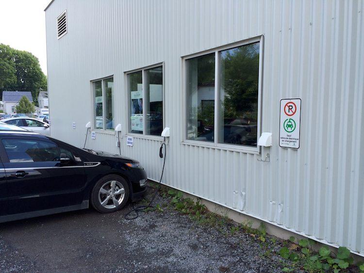 Extérieur du garage (service)