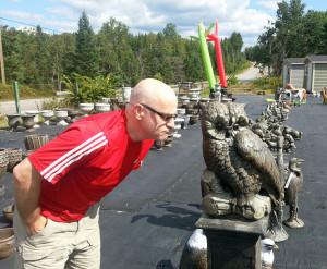 Exploration du parc à sculpture: le Hibou