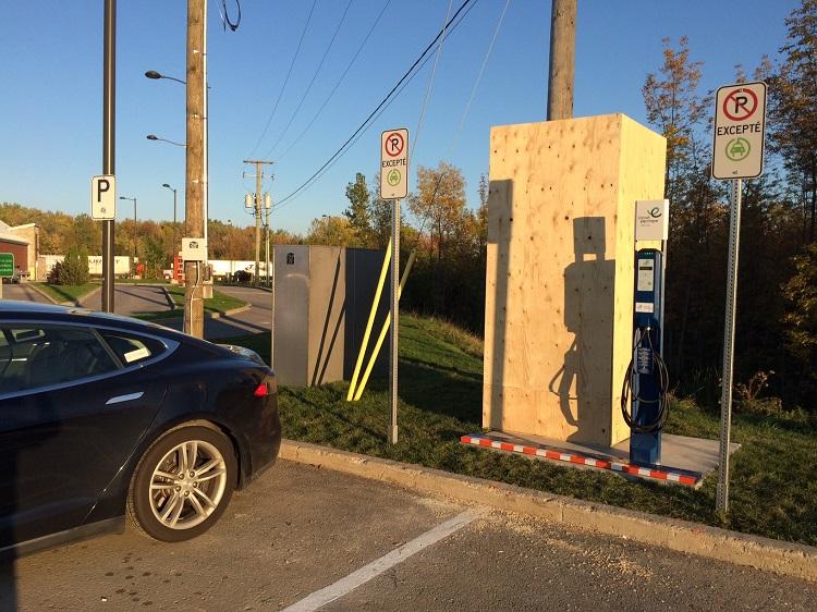 Maskinongé : la première borne rapide du corridor de recharge électrique Québec-Montréal!