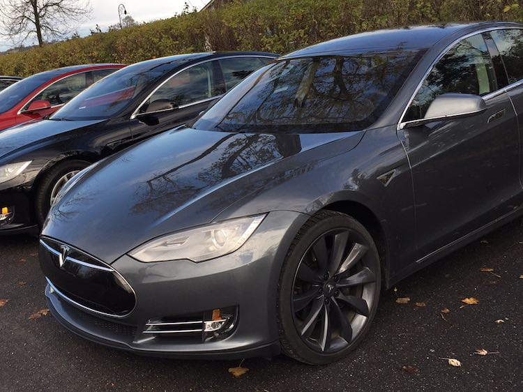 vendre une tesla p85 pour 85 000 n gociable roulez electrique. Black Bedroom Furniture Sets. Home Design Ideas