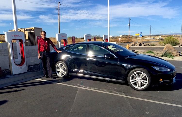 Phoenix – Las Vegas : petit « road trip » éducatif en TESLA S!