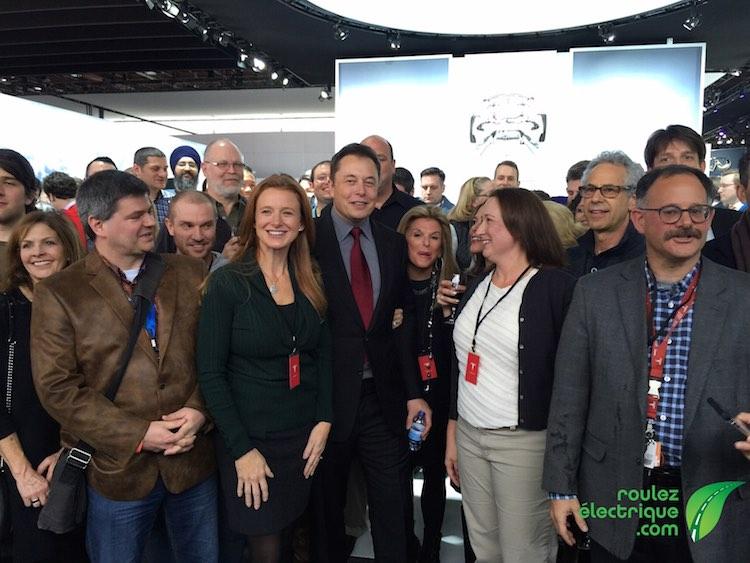 Elon Musk attire les foules!
