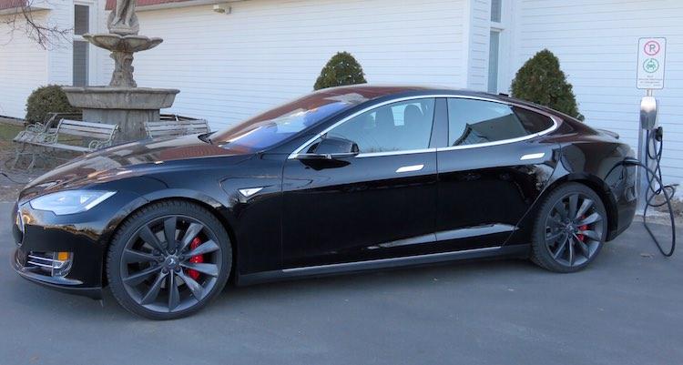Ventes de voitures de luxe en 2014 : Tesla dans le haut du top 10!