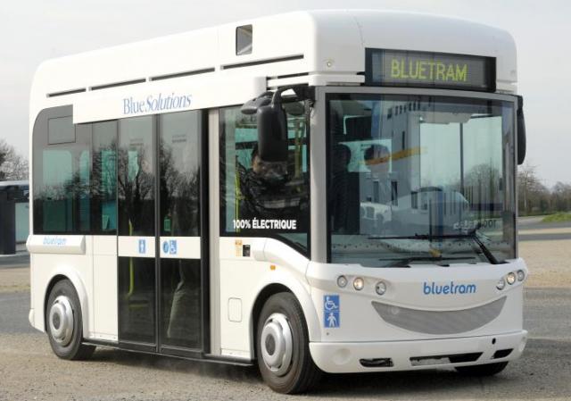 Inauguration de l'usine de fabrication de l'autobus électrique Bluetram de Bolloré