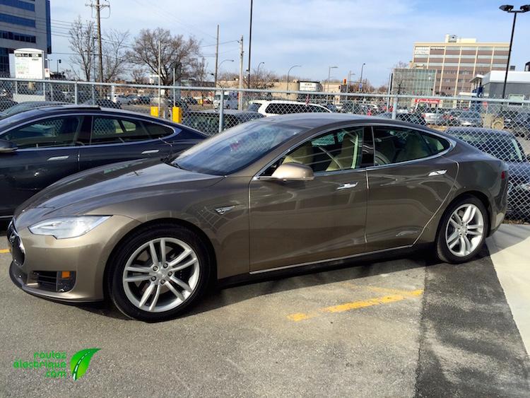Tesla-70D-Gold1