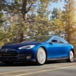 Model S bleu océan
