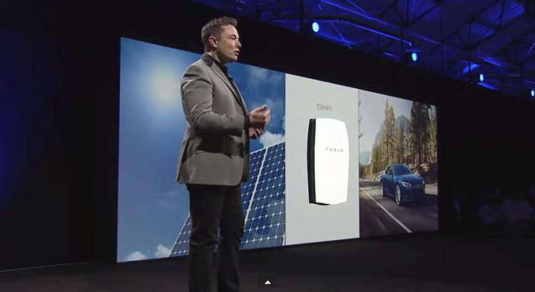 Elon Musk présente la Powerwall : la batterie qui révolutionnera le monde de l'énergie!