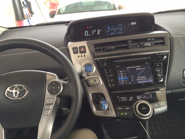 Toyota Prius V-DB-4