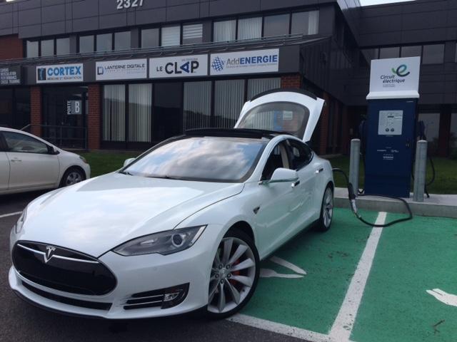 Tesla S P85 D-mariage-1