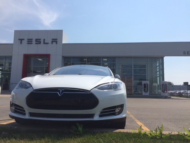 Tesla S P85 D-mariage-4