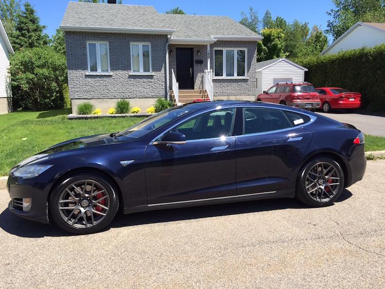 Ma Tesla S chaussée avec les Pirelli P7