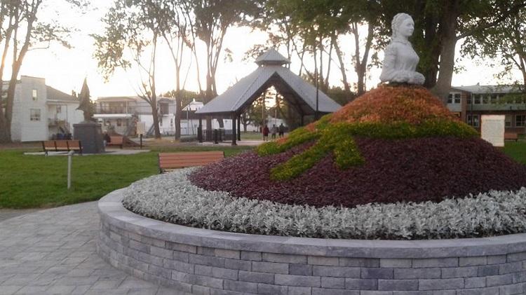 Le nouveau Parc du Tricentenaire à Louiseville (derrière l'église)