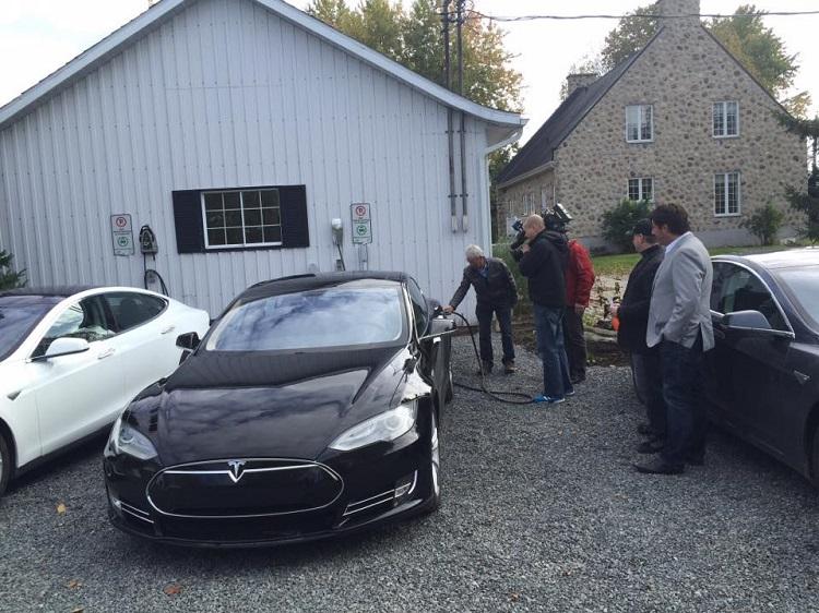 Domaine & Vins Gélinas-Rallye Tesla 17 octobre2015 (4)