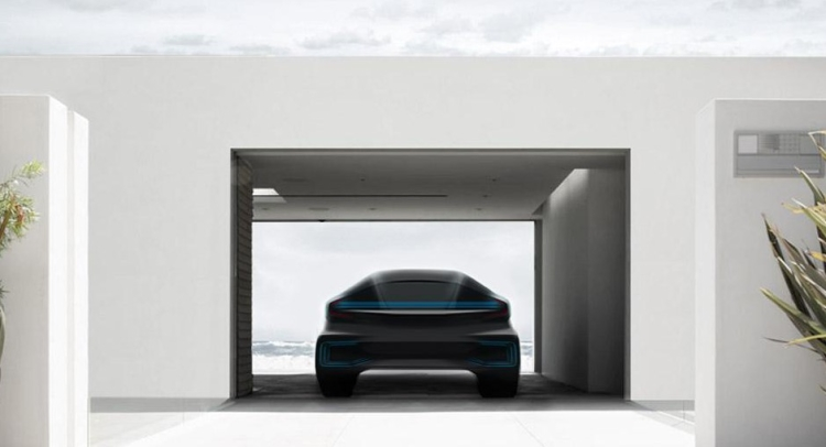 Faraday Future investit 1 milliard pour la construction d'une usine aux É.-U. pour son véhicule électrique à grande autonomie.