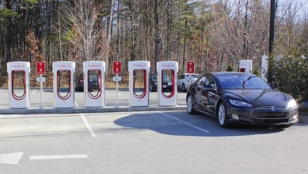 Supercharger Tesla : Inauguration à South Burlington (Vermont), jeudi 3 décembre 2015
