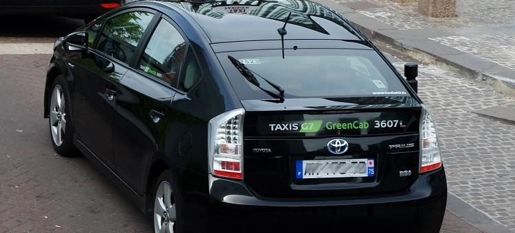 La France et la voiture électrique : loin de la coupe aux lèvres