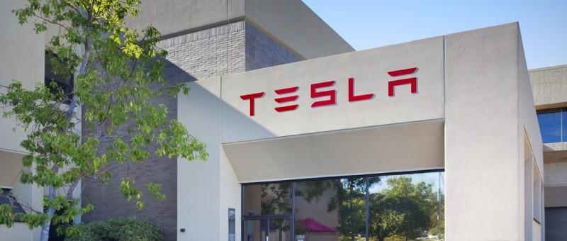 Tesla livre 17 400 véhicules au T4 2015; Les livraisons totales pour 2015 sont de 50 580