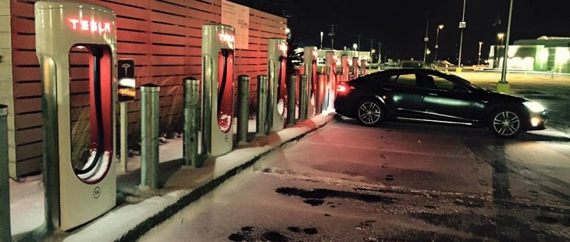 En Suède : recharge gratuite à la maison pour les propriétaires de Tesla
