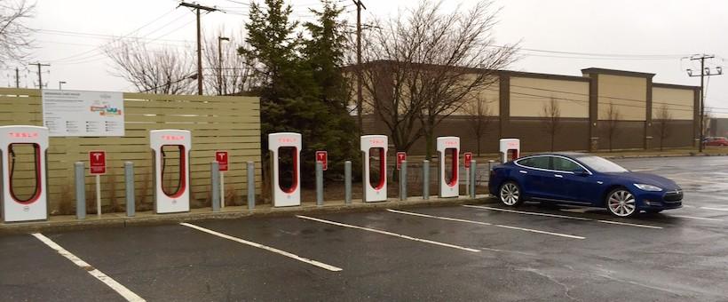 DERNIÈRE HEURE: Supercharger Tesla en construction à Montréal!