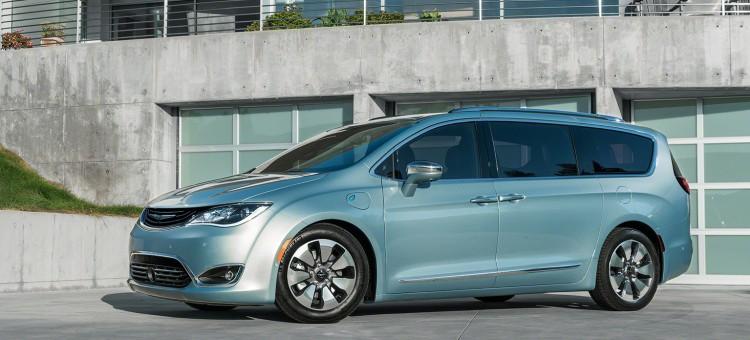La Chrysler Pacifica Hybride Rechargeable Fabriquée En Ontario Roulez Electrique