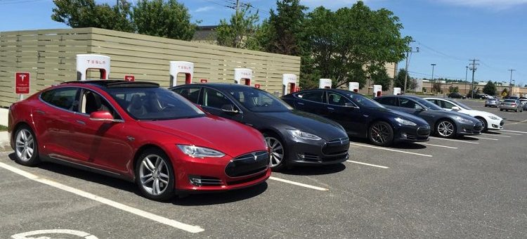 Deux filles d'anciens premiers ministres lobbyistes pour Tesla