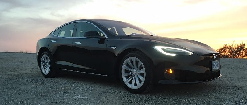 Il est maintenant possible de louer la Tesla Model S chez Ecomoto