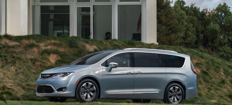 La Chrysler Pacifica hybride rechargeable coûtera environ le même prix que la version à essence