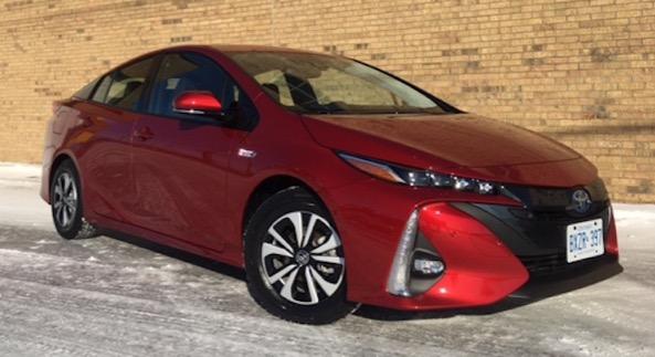 SURPRISE: Toyota réserve toute ses Prius rechageable pour le Québec!