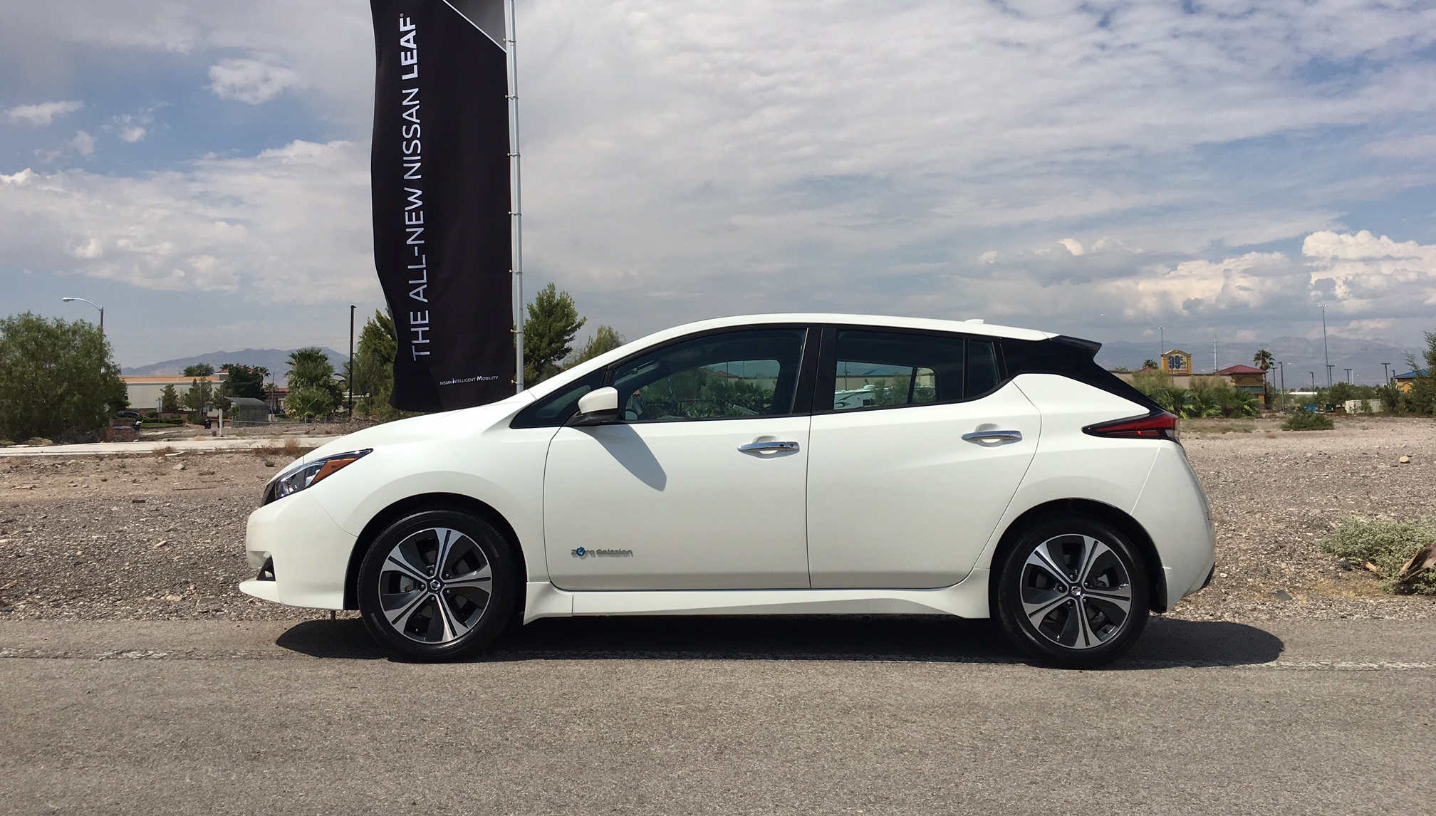 nissan leaf 2018 de la r volution l volution roulez. Black Bedroom Furniture Sets. Home Design Ideas