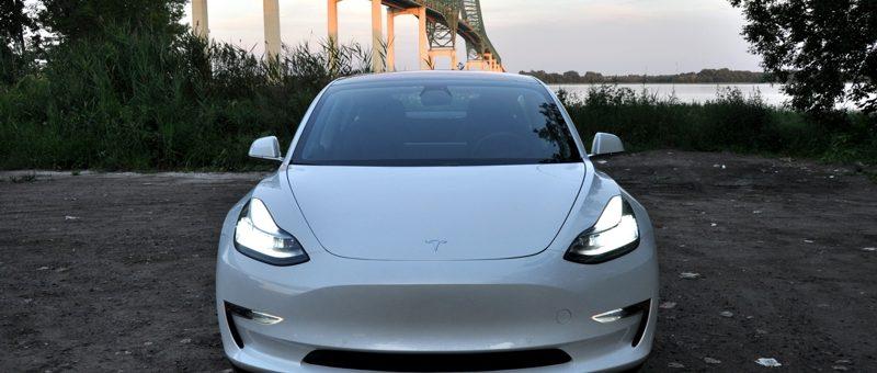 « Tesla Model 3 » disponible pour location à court terme