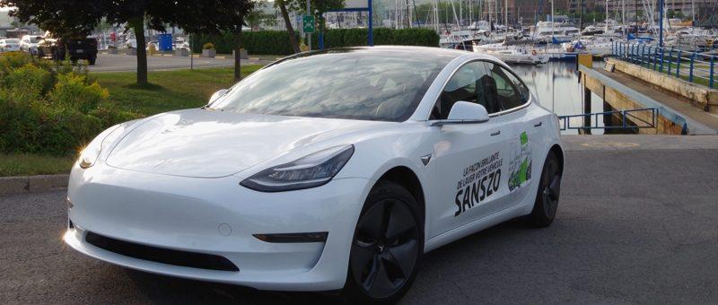 Voyager en Tesla Model 3