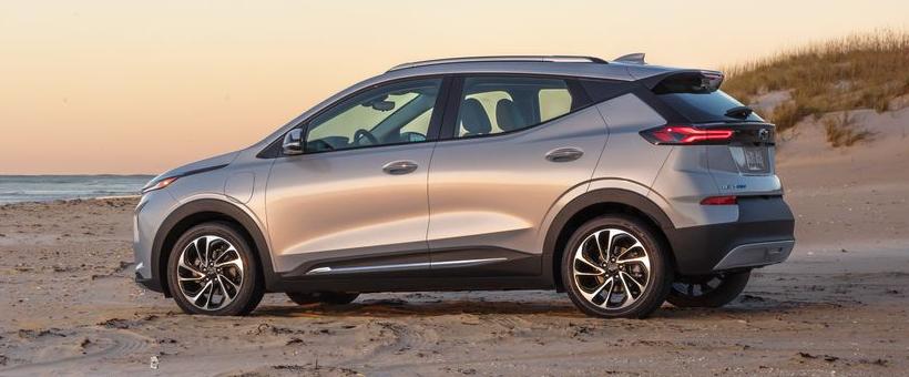 Si je décide d'aller chez Chevrolet pour mon nouveau VÉ, devrais-je prendre la Bolt EV ou la Bolt EUV ?